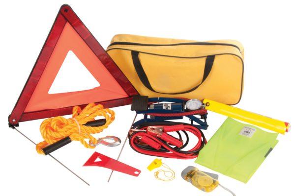 Cosas imprescindibles que debes llevar en el coche