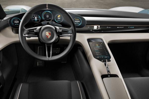 Siete coches eléctricos que miran al futuro