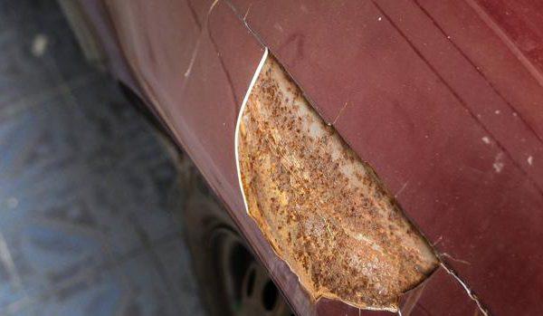 Los defectos en la carrocería pueden hacer que el coche suspenda la ITV