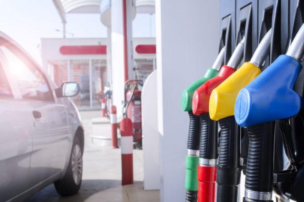 10 trucos para ahorrar combustible